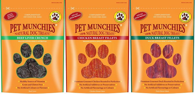 Win a Festive Bundle of Pet Munchies Treats!